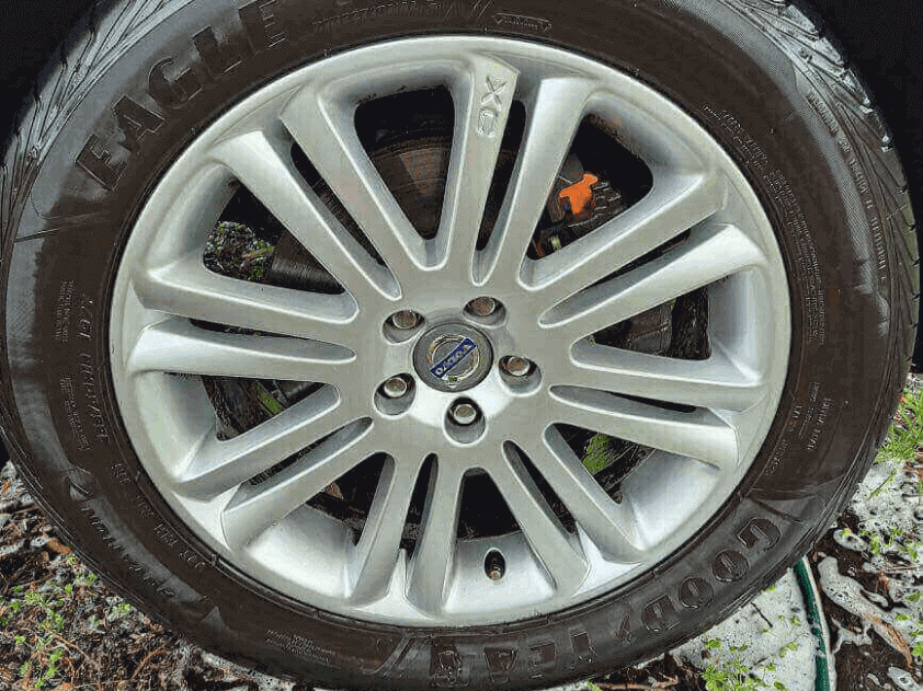 Volvo Mag Wheels - After shots show a remarkable difference